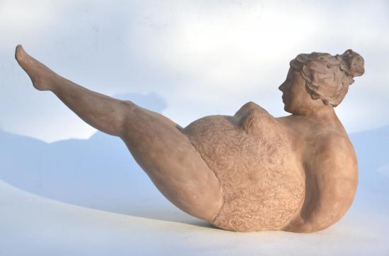 Les grâcieuses N°1 - sculpture argile de Nathalie Lefort